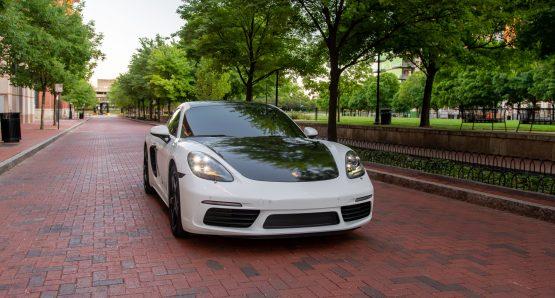 Rent Porsche Cayman